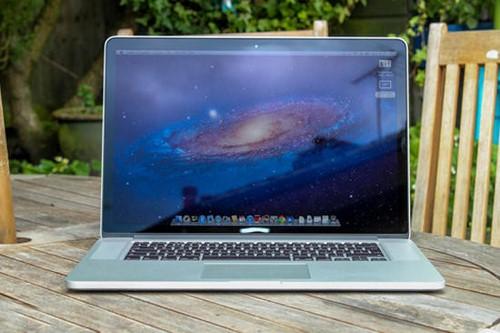 loi-man-hinh-laptop-bi-toi-bi-mo-1