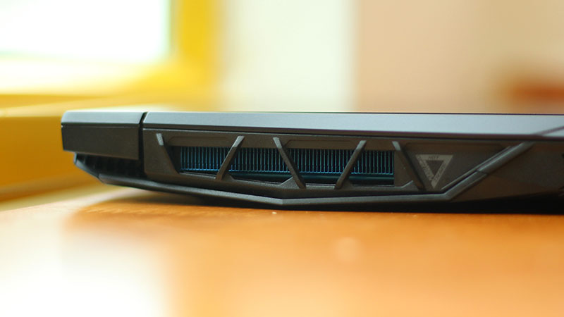 Acer Predator Heilos 300 2019 'Quái Vật Băng Giá' Đã Tới_6