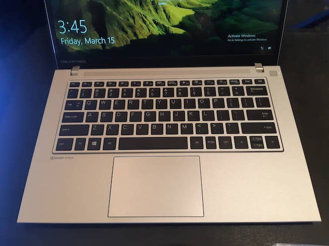 Laptop_da_sac_mau_pin_10_tieng_3