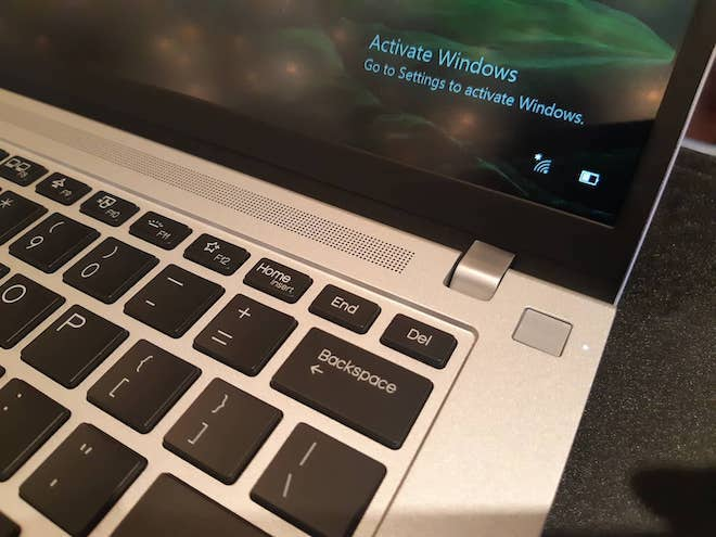 Laptop_da_sac_mau_pin_10_tieng_4